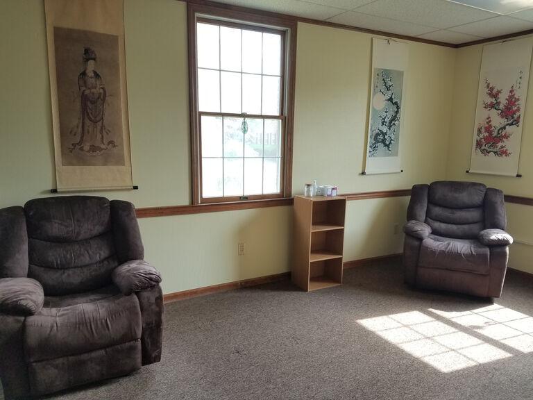 2021 treatment room small 768x576